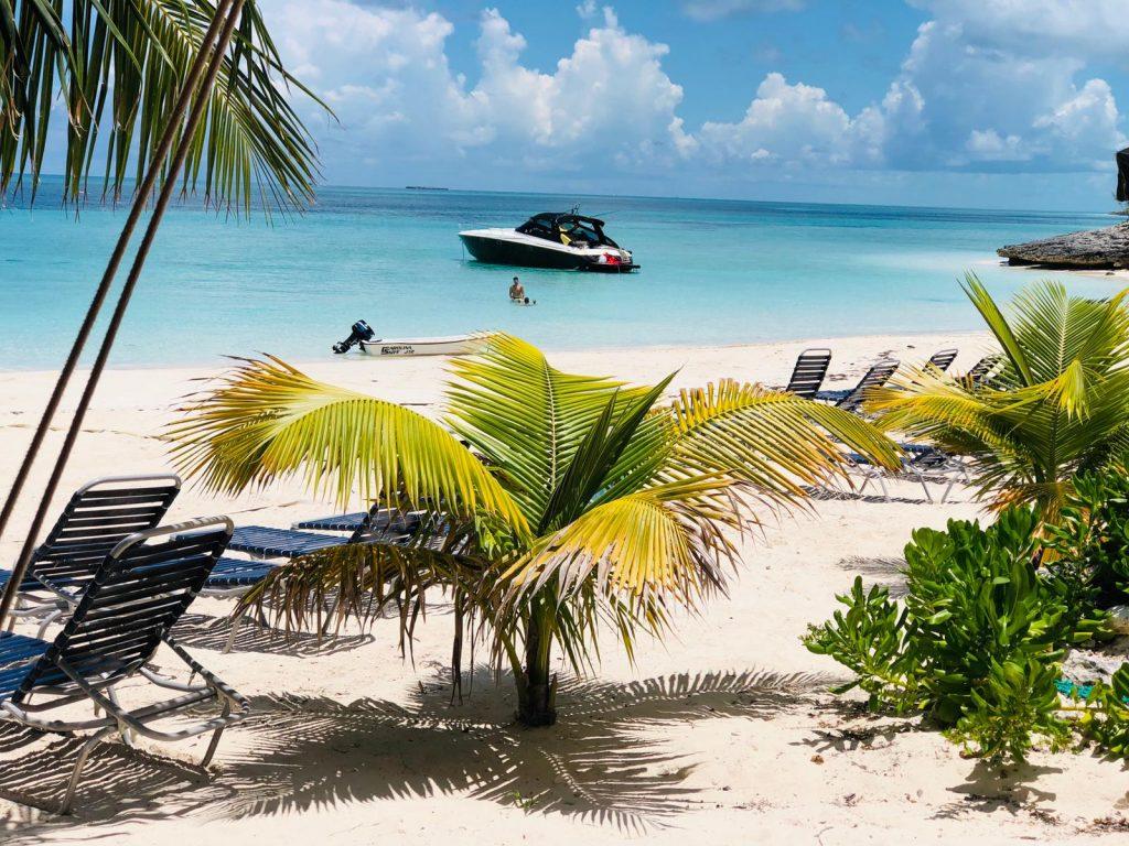 Rose island Bahamas - CharterMeBahamas